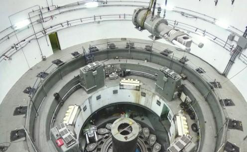 Gran cilindro hidráulico para generación de energía